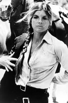Celebrities With Long Hair - Best Long Hair Katharine Ross, American actress, Etta in Butch Cassidy and the Sundance Kid, Elaine in The Graduate, Joanna in The Stepford Wives. Katherine Ross, Sundance Kid, Julie Christie, Katharine Hepburn, Zooey Deschanel, Diane Keaton, Kristen Bell, Classic Hollywood, Old Hollywood