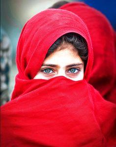 earth-song:    another beautiful afghan girl byГригорий Беденко