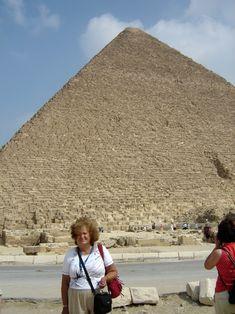 #magiaswiat #kair #egipt #podróż #zwiedzanie #afryka #blog #miasto #cytadela #giza #piramidy #sfinks #muzeum #kościół #koptyjski #meczet #alabastrowy #cytadela #wytwórniaperfum #memfis #suk #papirusy #saqqara Louvre, Blog, Travel, Viajes, Blogging, Destinations, Traveling, Trips