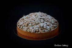 My apple strudel - Crostate, G. Fusto  Frolla tutto grano Impasto di mele Crumble al germe di grano Mandorle e zucchero a velo