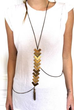 "Very cute wrap ""body"" necklace. Bijoux Design, Jewelry Design, Jewelry Accessories, Fashion Accessories, Fashion Jewelry, Body Necklace, Fashion Beauty, Womens Fashion, Bold Fashion"