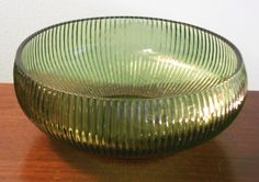 Image result for green glass ribbed bowl Shabby Vintage, Vintage Items, Yard Sale Finds, Fairs And Festivals, Vintage Glassware, Bud Vases, Craft Fairs, Milk Glass, Decorative Bowls