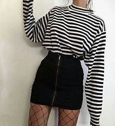 Moda retrô – looks para se inspirar Impressive summer outfits that will save your life completely making you look beautiful, trendy and always ready to impress. Hipster Outfits, Edgy Outfits, Retro Outfits, Mode Outfits, Grunge Outfits, Cute Casual Outfits, Skirt Outfits, Fashion Outfits, Grunge Clothes