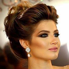 Inspiração de #make e #hair para noivas divas. Via @noivasedivas  #diariodanoiva_ba #noivadoano #noivas #noivado #casar #casamento #madrinha #makedenoiva #penteadodenoiva #bridal