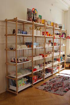 - A visit to Hay House Copenhagen - WordPress Sitesi Storage Design, Shelf Design, Bookcase Shelves, Shelving, Future House, Decorative Room Dividers, Affordable Furniture, Shop Interiors, Discount Furniture