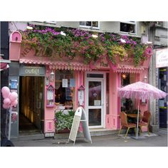 Shop exteriors & store fronts ** pink, with apartment above, and window boxes. Shop Window Displays, Store Displays, Decoration Facade, Architecture Art Nouveau, Store Front Windows, Cute Store, Fruit Print, Shop Fronts, Everything Pink