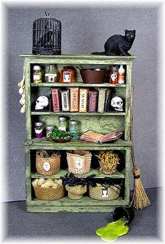 Haunted Dollhouse, Haunted Dolls, Diy Dollhouse, Dollhouse Miniatures, Girls Dollhouse, Haunted Mansion, Halloween Miniatures, Halloween Doll, Halloween House