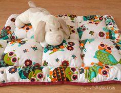 Mira este artículo en mi tienda de Etsy: https://www.etsy.com/es/listing/200605919/cama-para-perro-hecha-a-mano-diseno-de