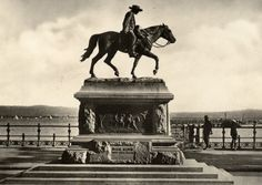 Dick King on the Esplanade. He rode on horseback from Durban to Grahamstown in the Cape Province to get support when the Old Fort was under siege. South Africa Art, Durban South Africa, African States, Old Fort, Kwazulu Natal, Adventure Holiday, Historical Photos, Old Things, History