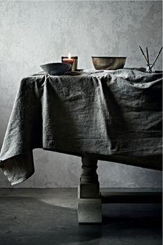Moody grey dining room and table linen Wabi Sabi, Layout Design, Design Ideas, Gris Taupe, Casa Loft, Gray Matters, Wedding Linens, 50 Shades Of Grey, Deco Design
