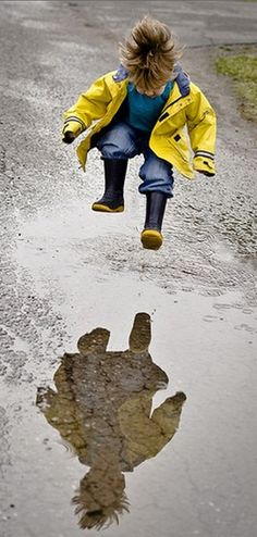 'Puddle Jumper' • by Dani Donders