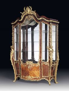 Antique French Furniture, Antique Furniture, Cabinet Furniture, Furniture Design, Beautiful Dining Rooms, Antique Cabinets, Glass Shelves, French Antiques, Art Decor