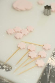 Cute cupcake toppers out of fondant on toothpicks