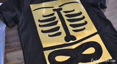 #DIY Halloween Costume - Skeleton Costumes by www.poofycheeks.com