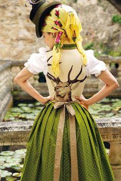Dirndl Rosenheim by Sportalm. I want a stag on my dirndl! Dirndl Dress, Dress Up, German Costume, Ethnic Dress, Green Fashion, Traditional Dresses, Get Dressed, Vintage Fashion, Folk Fashion