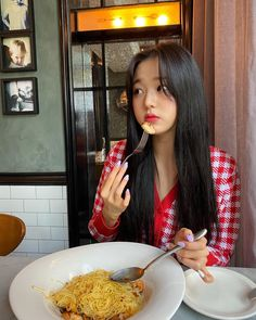 Image uploaded by 𝐏𝐞𝐚𝐜𝐡𝐲 ♡. Find images and videos about cute, kpop and food on We Heart It - the app to get lost in what you love.