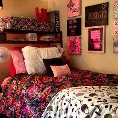 Pink Explosion, Dorm Room Decor for Girls, Bedding & Art, Dorm Rooms Design