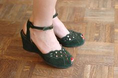 vintage NOS 1940s dark green shoes / size 7
