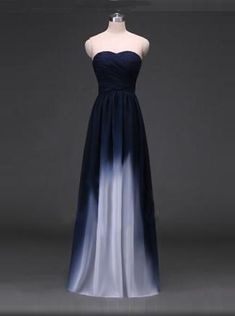 Elegantes A-Linie Herzausschnitt Bodenlanges Marineblaues Brautjungfernkleid mit Rüschen