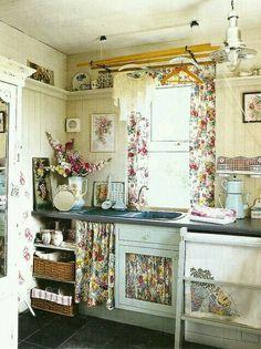 Ideas vintage home decore shabby cottage kitchens Cottage Shabby Chic, Style Cottage, Cocina Shabby Chic, Shabby Chic Decor, Vintage Decor, Farmhouse Style, Farmhouse Decor, White Farmhouse, French Cottage