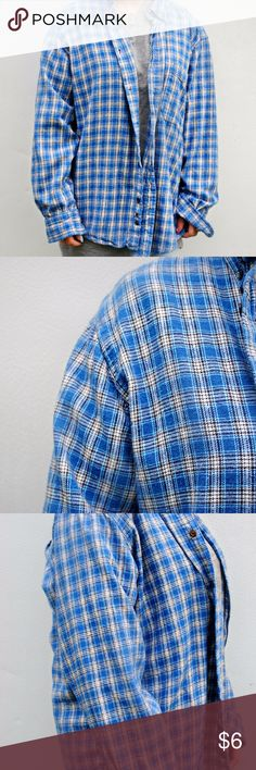 Flannel This flannel is good for the winter and its very cute if you want that oversize flannel look. This shirt has no stains or rips so its in great condition also very comfy to wear in the colder months ahead. Tops Button Down Shirts