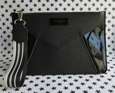 Total Black, Leather Craft, Leather Bag, Tote Bags, Photography Bags, Night Outfits, Michael Kors Jet Set, Clutch Bag, Fashion Bags