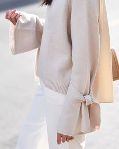 Bow sleeve sweater and white jeans, perfect outfit for spring!