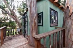 This magically romantic tree house rental in Sonoma County is situated in a lovely eucalyptus grove, nestled securely 30 feet up in a multi-trunked 110-foot tree. Complete with a wooden deck, an artistically decorated cabin, a cozy queen-size bed, as well as luxury linens, it provides a tranquil paradise for couples seeking to escape the hustle and bustle of every day life. The property is peacefully rural yet just five minutes' drive to historic Petaluma, an easy drive to San Francisco and…