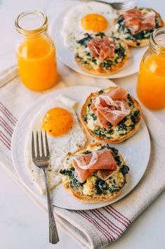 Recipes Breakfast Mornings Cheesy Kale Prosciutto Brunch Melts With Eggs Health Breakfast, Healthy Breakfast Recipes, Healthy Snacks, Healthy Recipes, Think Food, Aesthetic Food, Morning Food, Sunday Morning, Food Inspiration