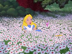 Screencap Gallery for Alice in Wonderland Bluray, Disney Classics). Disney version of Lewis Carroll's children's story. Alice becomes bored and her mind starts to wander. Disney Kunst, Art Disney, Disney Magic, Disney Movies, Disney Characters, Anime Gifs, Cartoon Gifs, Animiertes Gif, Animated Gif