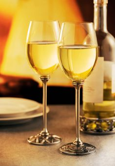 Complete your perfect Christmas party with these classy white wine glasses