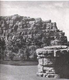 Piazza dei Cinquecento. Resti delle Mura Serviane prima della sistemazione della piazza antecedente la costruzione della moderna Stazione Termini. Anno: 1941