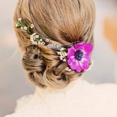 To see more gorgeous wedding hairstyles: http://www.modwedding.com/2014/11/06/love-22-tasteful-wedding-hairstyles/ #wedding #weddings #hairstyles photo: Justin Lee Photography via theknot.com