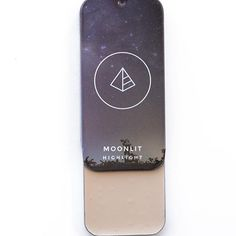 I'm so happy to introduce you to moonlit! For all you super fair gals or ladies who want that extra of highlight this is your new BFF!