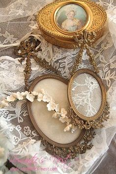 I love these antique frames for accessories in my decor - they are not easy to find at a bargain price.