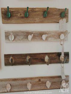 Support pour manteaux bois de grange et cuillères par AUBEdesign