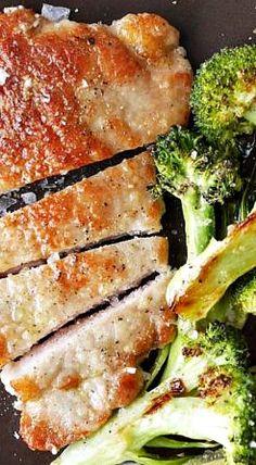 Pork Cutlets with Roasted Broccoli broccoli recipes side dish broccoli recipes roasted broccoli recipes casserole broccoli recipes vegan broccoli reci. Pork Cutlet Recipes, Cutlets Recipes, Pork Recipes, Cooking Recipes, Healthy Recipes, Schnitzel Recipes, Tasty Meals, Bariatric Recipes, Paleo Food