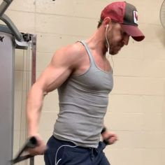 A Full-Body Workout – See Results in Four Weeks When it comes to setting fitness priorities, toning exercises should be high on your list Fitness Workouts, Gym Workout Videos, Fitness Gym, Fitness Tips, Men Fitness Motivation, Gym Workouts For Men, Chest Workout For Men, Chest Workouts, Bodybuilder