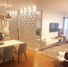 Sala clean e linda by Monica Demoner. Amei Me encontre também no @pontodecor {HI} Snap:  hi.homeidea  http://www.bloghomeidea.com.br #bloghomeidea #olioliteam #arquitetura #ambiente #archdecor #archdesign #hi #cozinha #homestyle #home #homedecor #pontodecor #homedesign #photooftheday #love #interiordesign #interiores  #picoftheday #decoration #world  #lovedecor #architecture #archlovers #inspiration #project #regram #canalolioli #apartamentopequeno