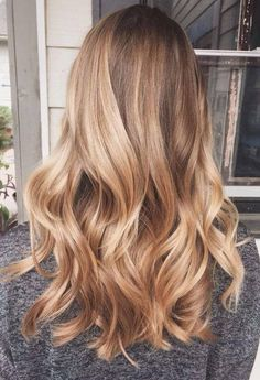 25 honey blonde hair color ideas that are just beautiful 25 Honig Blonde Haircolor Ideen, die einfach wunderschön sind – Neue Damen Frisuren 25 honey blonde hair color ideas that are just beautiful - Honey Blonde Hair Color, Golden Blonde Hair, Blonde Hair With Highlights, Honey Hair, Ombre Hair Color, Hair Color Balayage, Cool Hair Color, Honey Balayage, Golden Hair Color