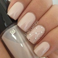 Pink-Wedding-Nails-with-Fishnet-Accent.jpg 607×608 pixels