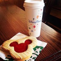 What can you get in Starbucks @ Disneyland? Of course Mickey Mouse Cookie #mickeymouse #disneyworld #Disneyland #waltdisney #usatrip #California #disney by luomeina