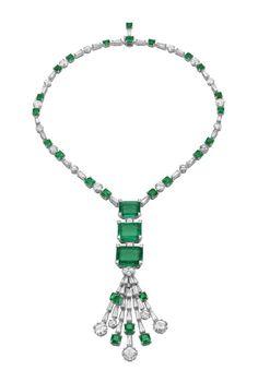 Bulgari, white gold necklace with three emeralds, 12 brilliant-cut diamonds and trapezoid diamonds.