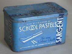Forgot i had one of these. I have tons of vintage chalk that needs a storage place. (Hint: vintage chalk writes much better than what is sold today)