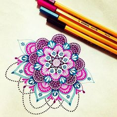 Mandala drawing // Photo from pixichikjb. This takes a loooot of patience Mandala Art, Mandala Doodle, Mandala Drawing, Mandala Painting, Painting & Drawing, Mandala Tattoo, Doodle Art, Zentangle Patterns, Zentangles