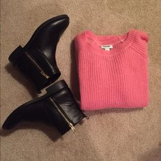 Old Navy sweater Pink Old Navy sweater GREAT condition!! This item can be added to the bundle of clothes I listed. Old Navy Sweaters
