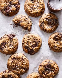 """Fact: We've tried hundreds (maybe thousands) of chocolate chip cookies. But Sarah Copeland's recipe just might take the cake, er, cookie. """"You don't need another fussy chocolate chip cookie recipe,"""" says. Mélangeur Kitchenaid, Christmas Desserts Easy, Christmas Cookies, Christmas Holiday, Chocolate Chip Cookies, Chocolate Bowls, Chocolate Desserts, Cookie Recipes, Snacks Recipes"""