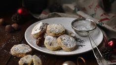 Tradiční kousek cukroví, který je velice snadný na přípravu a ideální pro ty, co s pečením nemají příliš velké zkušenosti. Muffin, Food And Drink, Cookies, Breakfast, Sport, Christmas, Crack Crackers, Morning Coffee, Xmas