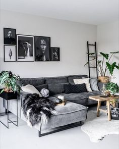 The Chronicles of Most Popular Small Modern Living Room Design Ideas for 2019 &; pecansthomedecor The Chronicles of Most Popular Small Modern Living Room Design Ideas for 2019 &; Living Room Grey, Small Living Rooms, Living Room Modern, Home Living Room, Interior Design Living Room, Small Living Room Designs, Living Room Apartment, Black White And Grey Living Room, Modern Apartment Decor