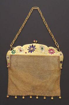 Edwardian Gold and Gem-set Purse Vintage Purses, Vintage Bags, Vintage Handbags, Vintage Outfits, Gold Bags, Silver Bags, Purses For Sale, Purses And Bags, Metal Vintage